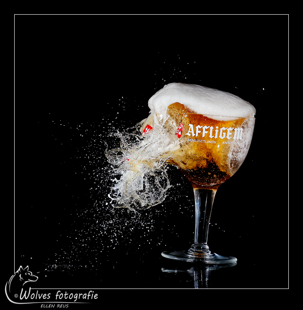 Affligem - Nominee in the 10th annual Photography Masters Cup in the category Still Life - professionals - Kapot geschoten bierglas - high speed fotografie - Door: Ellen Reus - Wolves fotografie