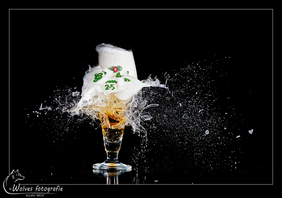 Kapot geschoten Grolsch 2.5 glas - Nominee in the 9th annual Photography Masters Cup in the category Still Life - professionals - high speed fotografie - Door: Ellen Reus - Wolves fotografie