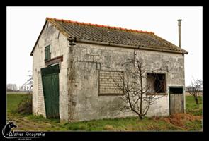 Verlaten schuurtje - Zeeland - Landschapsfotografie - door: Ellen Reus - Wolves fotografie