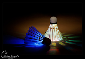 Lichtgevende shuttles - led-shuttles - glow in the dark - badminton - Productfotografie - Door: Ellen Reus - Wolves fotografie