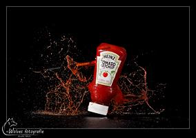 Kapot geschoten fles tomatenketchup - high speed fotografie - Door: Ellen Reus - Wolves fotografie